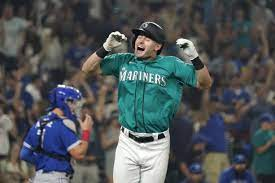 Mariners draw bases-loaded walk in 9th ...