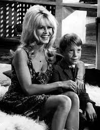 file:Brigitte Bardot - 1965.jpg - Wikipedia