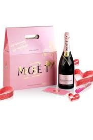 moët chandon rosé impérial graffiti bottle set pretty little things chagne moet chandon and moet rose