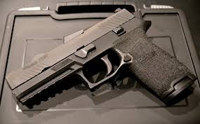 Which Is The Best Sig Sauer Polymer Pistol P250 P320 Or Sp2022