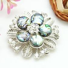 Shell Brooches, with Brass Findings and <b>Rhinestone</b>, <b>Platinum</b> ...