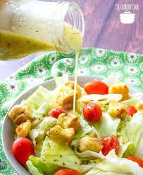 copycat olive garden salad dressing pouring