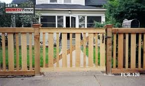 Building A Picket Fence Gate Picket Fences Picket Fence Gate
