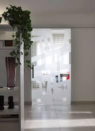 porta vetro scorrevole esterno muro modello light alluminio vetro traspae extrachiaro decoro angular double versione aperta