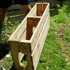 make a pallet planter for small spaces