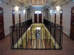 la proxénète de 20 ans a été incarcérée à la maison d arrêt des femmes