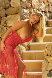 Adele Stephens The Pink Dress Look Im Online