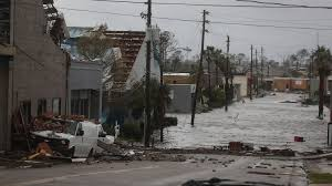 Hurricane Michael plows through area of older houses, mobile homes