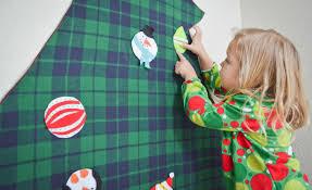 DIY: <b>Felt Christmas Tree</b> - Project Nursery