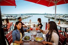 Unwind Outside At These 8 Alexandria Va Restaurants This