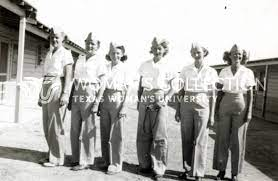 Ellenore Doudiet (Trainee), Gwen Crosby (44-W-1), Mardo Crane (44-W-1), Kay  Dussaq (44-W-1), Dorothy Dodd (44-W-1), and Jane Easton (Trainee) in front  of the barracks at Avenger Field - CONTENTdm Title - Gateway