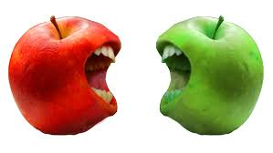 green and red apples. do you prefer eating green or red apple? lol this just pop into my mind while i was one earlier and apples