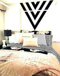 White And Gold Bedroom White And Gold Room Decor Black White And ...