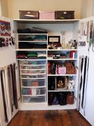 Organize Bedroom Furniture Interallecom 6 How To Organize A Bedroom Without Closet