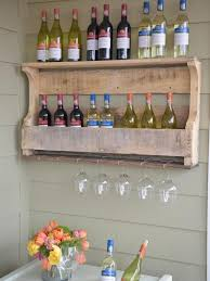 how to make a wall mounted pallet wine rack
