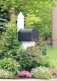 Mailbox landscaping ideas Area Lovetoknow Garden Mailbox Landscape Design Lovetoknow