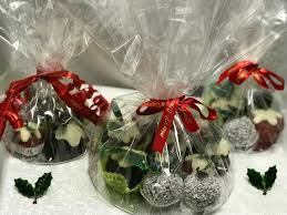 Gourmet and luxury xmas hampers, best christmas hampers with food and wine gifts, corporate christmas hampers! Facebook