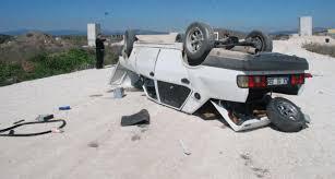 Manisa'da mıcırlı yolda kaza: 1 ölü 2 yaralı