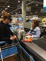 """Wendy Presser on Twitter: """"Boodschappen doen als je een visuele beperking  hebt #moeilijk #dikkemist #hackathonst @dedicon… """""""