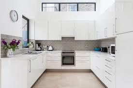 modern kitchen flooring. Brilliant Kitchen ModernKitchenFlooringOptionsProsAndCons2 Modern On Kitchen Flooring E