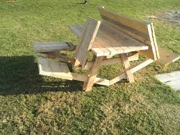 picture of the awesome picnic table