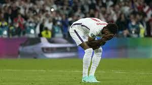 كأس أوروبا: اساءات عنصرية بحق راشفورد وسانشو وساكا بسبب ركلات الترجيح -  فرانس 24