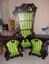 Alice in wonderland inspired furniture Beauty And The Beast Inspired This Tim Burton And Alice In Wonderland Inspired Furniture Is Amazing Decorations For Dark Souls Furniture Gothic Furniture Funky Furniture Pinterest This Tim Burton And Alice In Wonderland Inspired Furniture Is