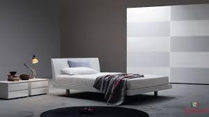 Camere Da Letto Moderne Uomo : Idee pareti camera da letto moderna arredamento camerette