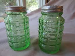 vintage green depression glass anchor hocking salt pepper shakers metal lids