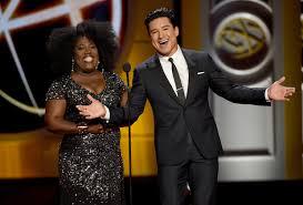 [VIDEO] Watch Daytime Emmy Awards 2019 — Live Stream | TVLine