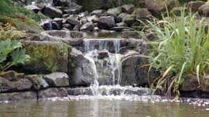 Cascate Da Giardino In Pietra Prezzi : Come progettare fontane e cascate per il giardino deabyday tv