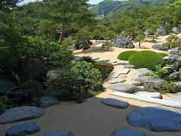 Adachi Japanese Style Garden With Beach Sand And White Gravel Design Ideas