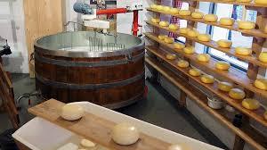 Сыровая молния Коммерсантъ Челябинск По словам сыроваров твердый сыр не может стоить дешевле 700 руб