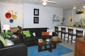 Located In Lafayette, Louisiana, The Quarters Offers 2, 3 And 4 Bedroom  Apartment Units With 2, 3 Or 4 Bathrooms. Rent From $499 Up To $660.