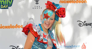 Origin jojo siwa is an american dancer, singer, actress, youtuber and social media personality. Jojo Siwa Net Worth 2019 How Much Is The Giant Bow Wearing Teen Sensation Worth