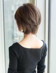 大人ミセスのボリュームショートの髪型yr 453 ヘアカタログ