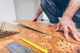 Mit einem korkfußboden setzen sie auf verschiedene vorteile und kork als fußboden sieht auch noch richtig gut aus. Korkboden Richtig Verlegen Anleitung Tipps Fur Heimwerker