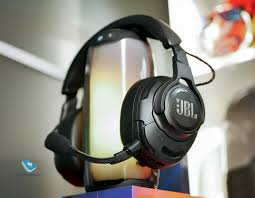 Mobile-review.com Обзор <b>JBL Quantum</b> One и Quantum 800