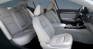 white seats of the 2019 nissan altima
