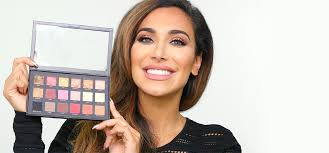 rose gold eyeshadow palette by hudabeauty in makeup tutorial huda palette