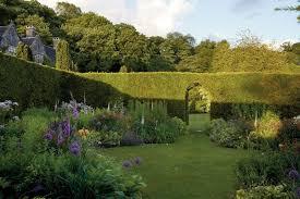 Image result for Film Hollywood tentang Berkebun dan Menjaga Lingkungan Menarik
