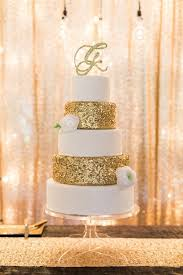 15 gold wedding cakes that will wow you rustic wedding chic