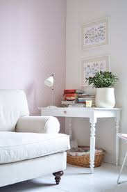 Living Room Craft 25 Photos That Prove A Pastel Accent Wall Can Actually Be Pretty