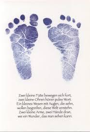 Humorvolle Postkarte Zwei Kleine Füße Bewegen Sich Fort Zwei