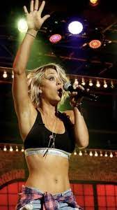 Kaley Cuoco : CelebrityArmpits