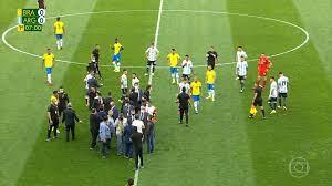 الصنارة نت - مسؤولو الصحة يوقفون مباراة البرازيل والأرجنتين