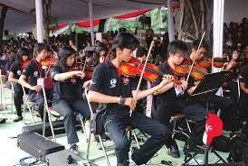 Musik kontemporer adalah istilah dalam bahasa indonesia untuk bidang kegiatan kreatif yang dalam konteks berbahasa inggris paling sering disebut musik baru, musik kontemporer, atau lebih tepatnya, disebut sebagai musik seni kontemporer. Seni Musik Tradisional Dan Musik Modern Pdf Download Gratis
