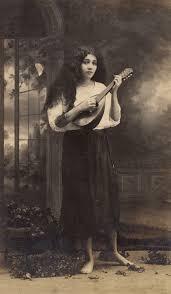 File:Delia Weber standing, 1918. By the studio of Abelardo Rodríguez  Urdaneta.jpg - Wikimedia Commons