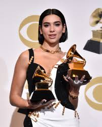 dua lipa explains why she referenced ist step up comment in grammys sch