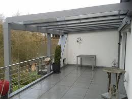 terasa la etaj acoperita cu sticla securizata pe suport de aluminiu